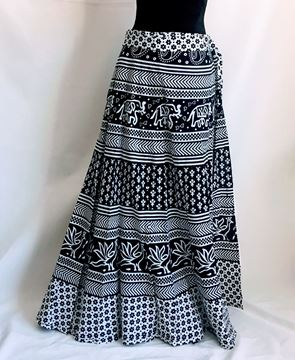 Picture of White and black skirt.