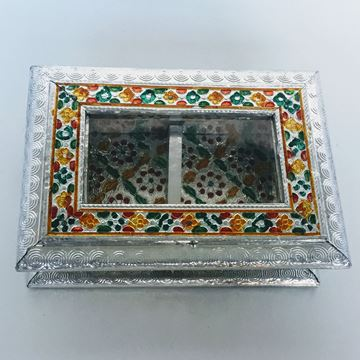 Picture of Dry fruit box.